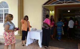 attendees arriving to DWBB 2015